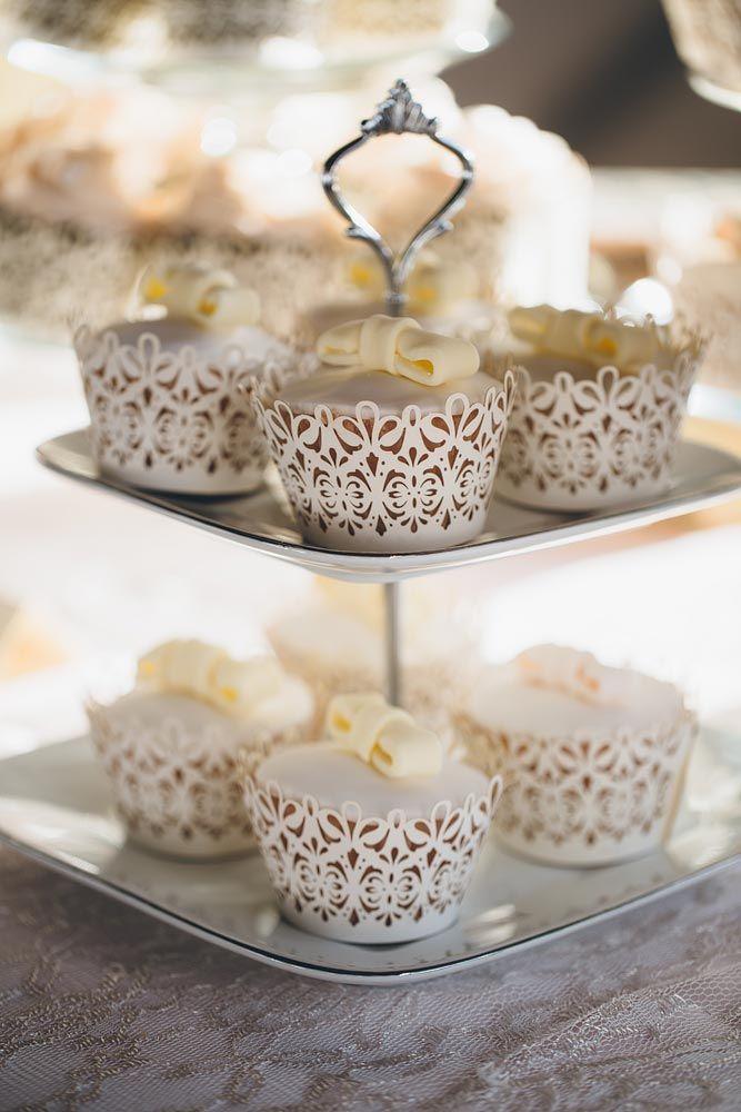 Gorgeous wedding cupcakes. Elk Ridge Resort Wedding https://mjand.co/elk-ridge-resort-wedding-photography/