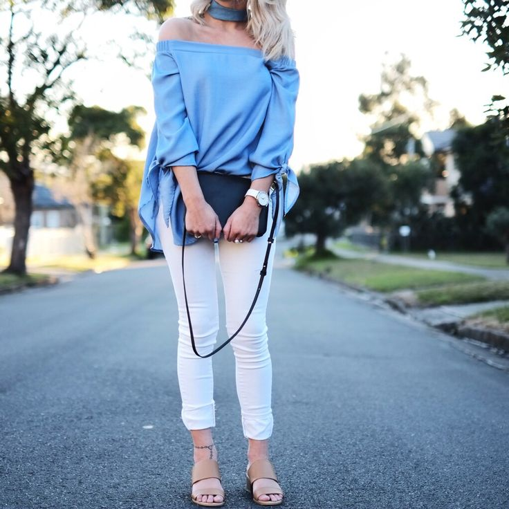 Outfit details: minimal blue and white