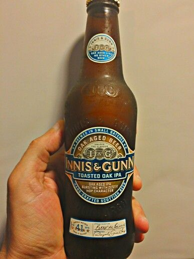 "INNIS &GUNN ""Toasted Oak IPA"" 5,6° Val.Per.- rubia dorada, espuma moderada, seca y algo amarga, algo sabor regaliz, persistente."