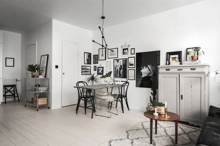 That Scandinavians can style small apartments to perfection is no secret. This apartment in Stockholm is only 44 square meter but it appears spacious and cozy. The apartment is decorated in monochrome colors and filled with art (which always makes a space look cozy in my opinion). I especially love the peek-a-boo windows between the …