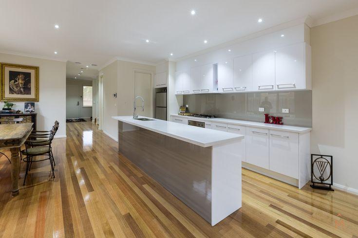 | 30A Elizabeth Street, Bentleigh East | Three Bedroom Townhouse | Modern Heating & Cooling | Rear yard | Study | Polished floorboards |