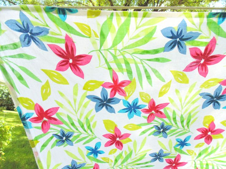 PRINT TABLECLOTH. Tropical Tablecloth. Florida Room Decor. flower tablecloth. 83 x 64 inches. 1950s tablecloth. 1960s tablecloth. gift idea. by OurVintageHouse on Etsy