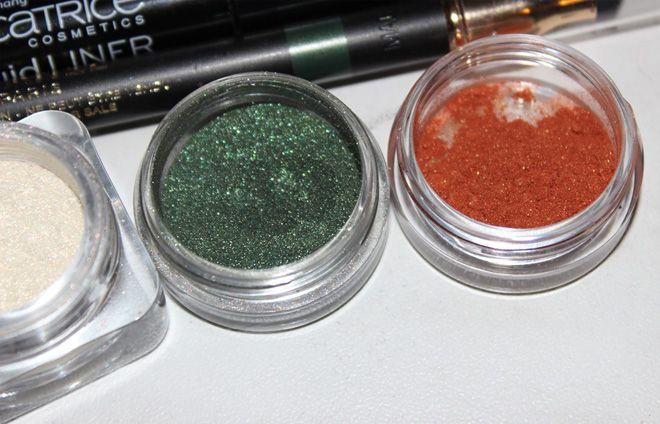 Barry M Dazzle Dust 14 Khaki http://www.talasia.de/2014/12/16/pigmentomania-12-barry-m-dazzle-dust-14-khaki/