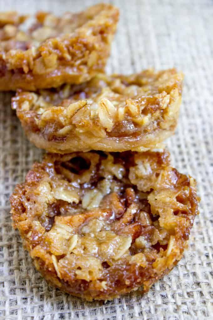 Apple Crisp Cookies with a pie crust bottom, sweet…