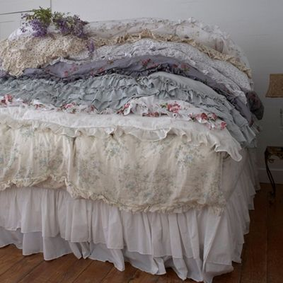 bespoke bedding from rachel ashwell shabby chic couture home inspiration pinterest bespoke. Black Bedroom Furniture Sets. Home Design Ideas
