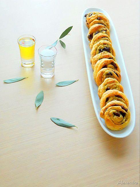 Ρολάκια με μαϊντανό και ελιές