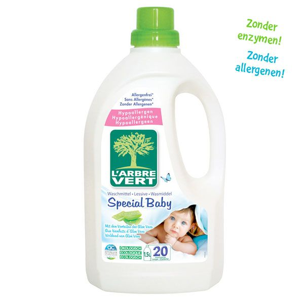 L'Arbre Vert wasmiddel voor babykleding met ecolabel. Dus gegarandeerd zonder enzymen, synthetische stoffen en allergenen. Veilig voor elk huidtype en biologisch afbreekbaar. Goed voor 40 wasbeurten met de hand of in de machine.