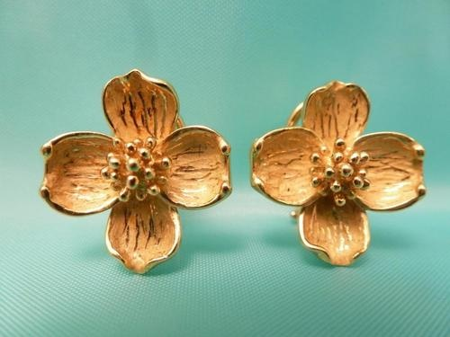 8416b2e6e ... 18k tiffany co. dogwood flower yellow gold earrings 800 and whats not  to love ...