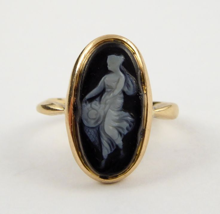 Antique 15ct Gold Ring with Stone Cameo Size I - The Collectors Bag
