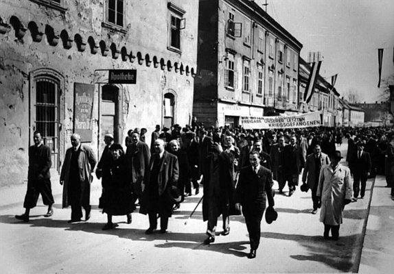 Sozialistischer Frauentag. Demonstration zur Freigabe der letzten Kriegsgefangenen.