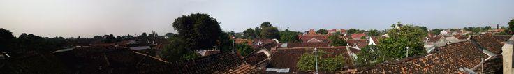 Het uitzicht over de huizen in het Kraton.