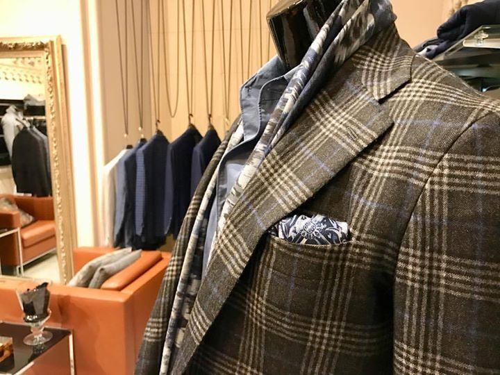 Beauty of Kiton lies in every jacket... Visit us try it on!  #kiton #bestofthebest #plus1 #davide #plactrzechkrzyzy #warsaw #italy #elegance #luxury #quality #best