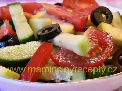 + 17 Barevný salát s olivami