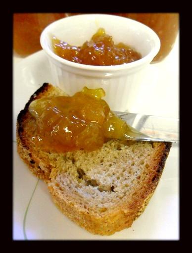 Geleia de Pêssego  http://www.artecaseirarestaurante.com.br/blog/0-43/Aventuras+na+Cozinha+09+-+Geleia+de+Pessego