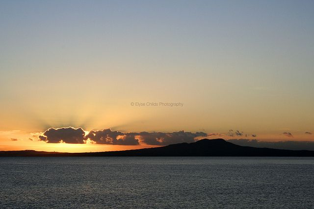 Rangitoto Island sunrise | © Elyse Childs Photography