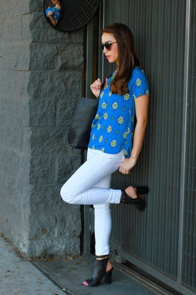 Top: Lulu's  |  Jeans: Articles of society  |  Boots: Sixtyseven  |  Bag: Lulu's  |  Necklace: Modcloth  |  Sunglasses: BP