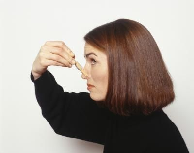 Lingering odors can affect how much you enjoy your home. Whether your family caused the odor in your home or you inherited a smelly room from the previous owner, you can get rid of it using a few ...