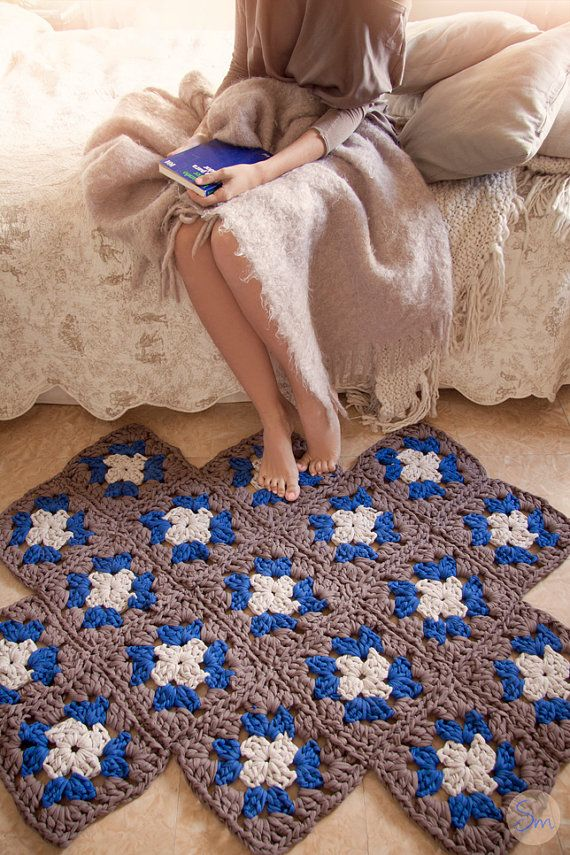 XXL crochet rug made with trapillo and composed by square Granny Square