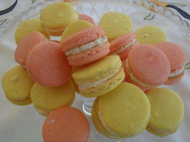 Macarons alla crema di limoncello e all'amarena