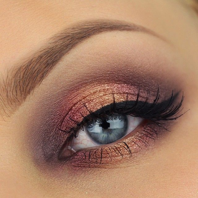 Cocoa Blend eyeshadows Pure Ganache, Warm Notes and Delicate Acidity from the…