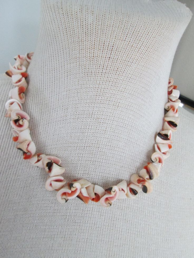 Shell Choker Necklace // Vintage // 1970s // Unisex Necklace // Seashells // Resort // Preppy // Surfer Dude // Coachella// Gift// Summer by truthorwear on Etsy