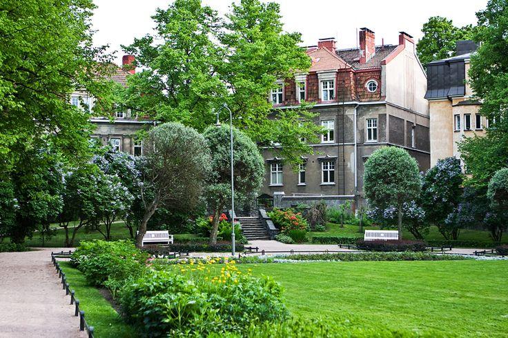 Eira Park in Eira neighborhood, Helsinki Google Image Result for http://static.toinenlinja.fi/web/02/02369_Eira_park.jpg