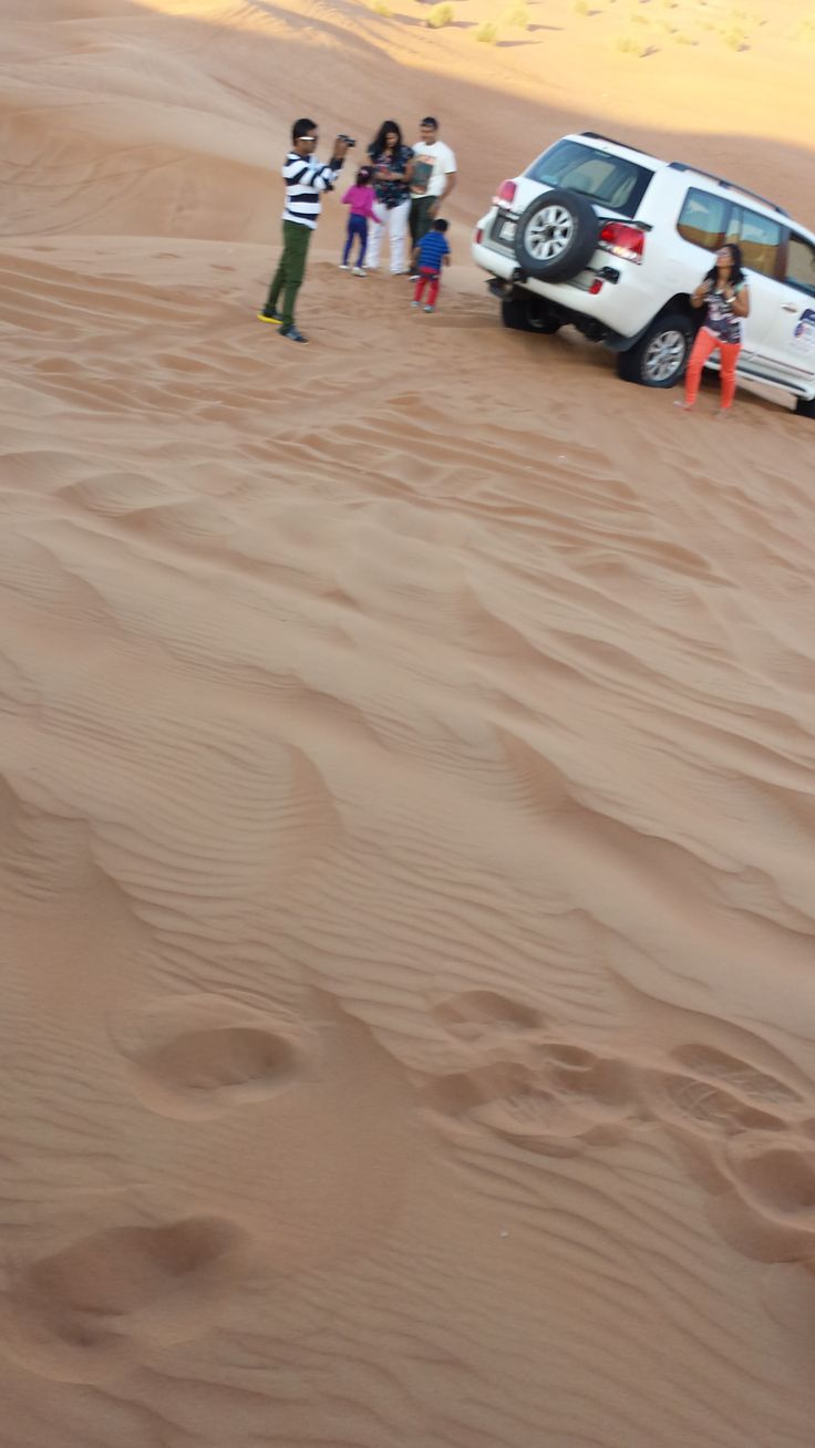 Lahbab Desert i Dubai Safari med jeepar, ett äventyr!