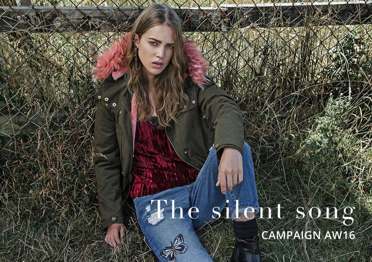 Descubre las últimas tendencias en moda para mujer. Colecciones, lookbook y novedades en ropa, accesorios y zapatos.