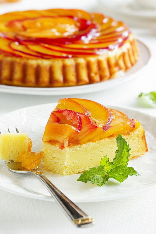 Пирог с рикоттой и абрикосами (нектаринами, сливами)