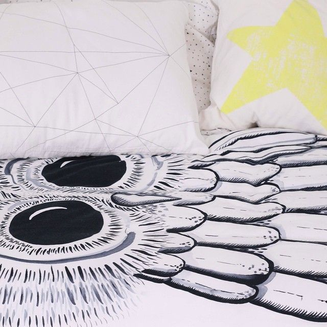 An interesting monochrome combination of ink watercolour and minimal pattern. The owl and geometric web pillow is now also available at @skandivis a very stylish designer online store.