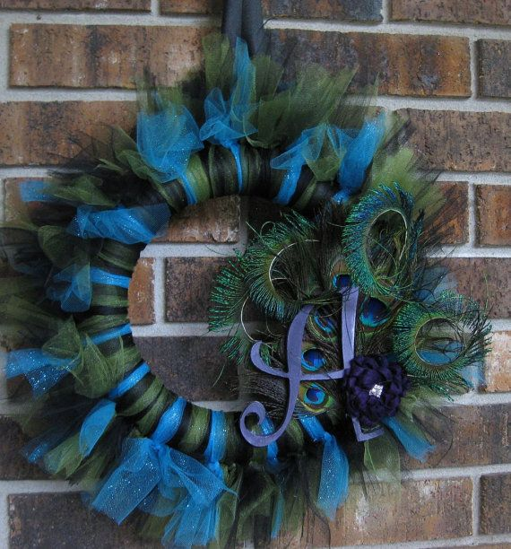 I am soooo making this for my front door....its beautiful!