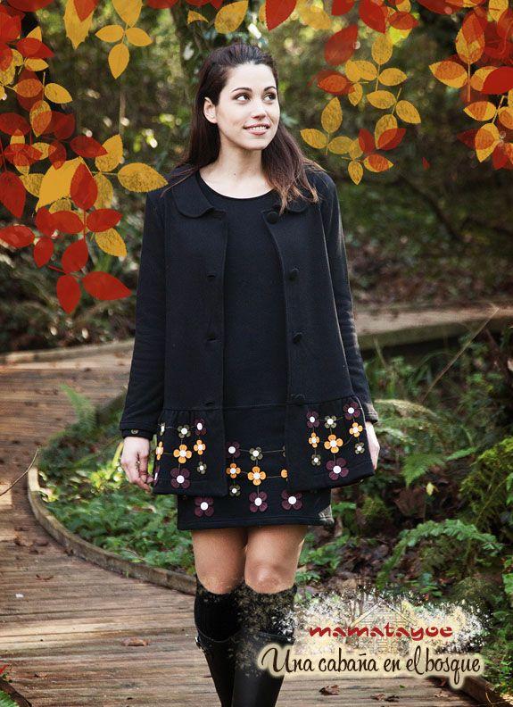 Dress: Hojarasca / Coat: Senderuela www.mamatayoe-shop.com