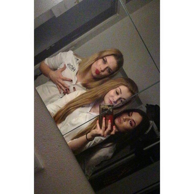 Bez @oolszi  ale wciąż DREAM TEAM  #last #weekend #in #work #mirror #selfie #best #team #polishgirl #polskadziewczyna #tbt #houseofsound #best #club #nightlife #stuff #waitress #blonde #girl #red #lips #tagsforlikes #likeforlike #followme #vsco