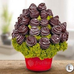 Kytice Frutiko měsíce listopadu z čerstvých jahod v belgické čokoládě nyní se slevou za 699 Kč.