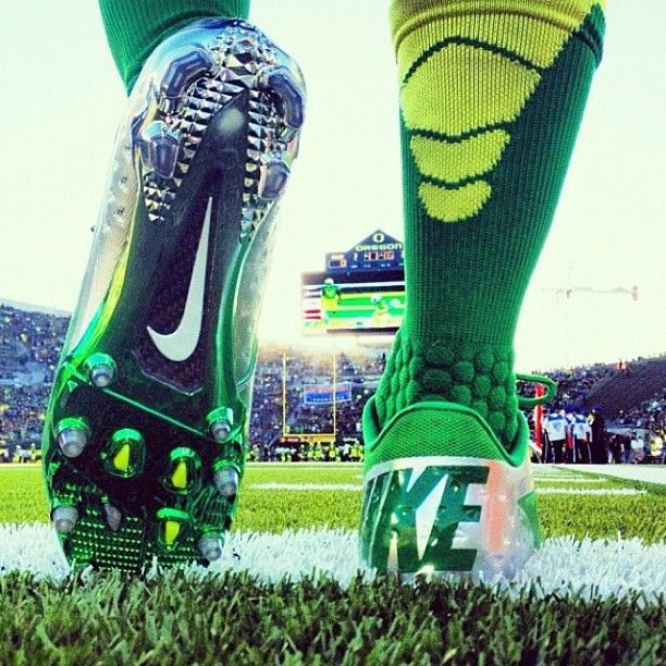 What a great Instagram shot by Nike highlighting the new football line for the Oregon Ducks.