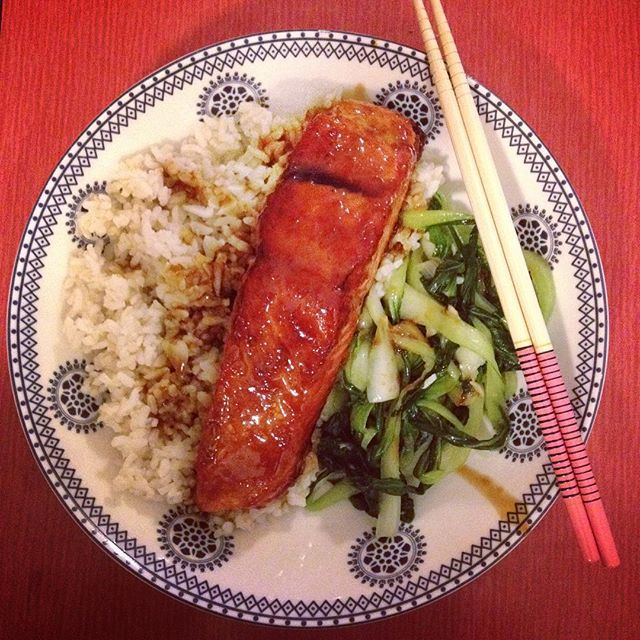 """Teriyaki glazed salmon with bok choy and rice. One of @wildfoodnz """"special"""" dishes! One of my favs. #homecooking #Autumn"""