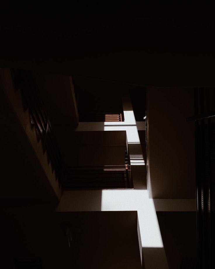 light and shadow  #vsco #vscopoland #visualgang #shadowhunters #light #visualsoflife #iphone #iphoneonly #lifefolk #vscomood #urban