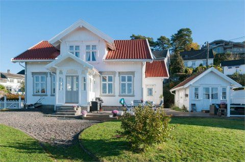 Norwegian style house. loves it;)