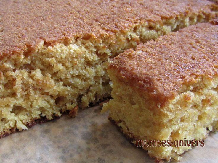 God og svampet kage (god som grundopskrift * ) Til denne kage er der tilsat kokosmel, revet hvid chokolade, appelsinsaft samt reven s...