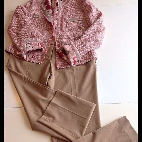 ❤️Ann Taylor Loft pants NWT❤️ Beige Ann Taylor Loft pants. I bought them never wore them and now they don't fit  Bundle these trousers with this blazer. Ann Taylor Pants Trousers