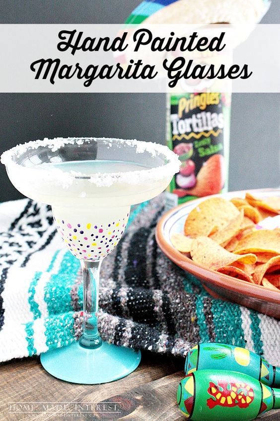 These easy DIY Hand-painted margarita glasses are perfect for your Cinco de Mayo margaritas or for a fun Cinco de Mayo craft night.  PringlesAirDip AD