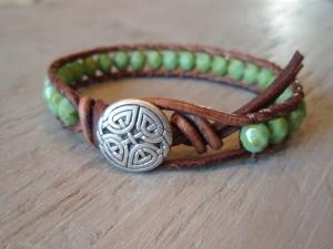 I would like one like this for myself. I could probably order thru the net. Would like the idea that it really came from Ireland.  akt  Celtic Pride Bracelet.
