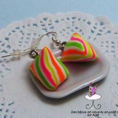 Boucles d'oreilles bonbons berlingots, bijoux gourmands  fimo. Polymer clay. http://des-bijoux-en-veux-tu.alittlemarket.com www.facebook.com/Desbijouxenveuxtuenvoila