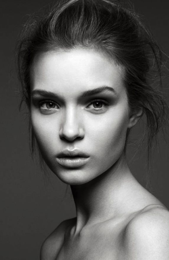 Josephine Skriver Beautiful Women Models