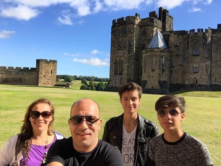 17/08/2015- Qué buen día le está haciendo a nuestra viajera Natalia Arriaga y a su familia que desde el Castillo de Alnwick nos manda esta preciosa foto. ¡Gracias chicos por compatirla!