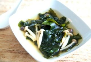 Seaweed Soup http://ift.tt/2pPieXc  Koreans serve seaweed soup to women right after they give birth believing it to be a restorative soup thats high in nutrients for new mothers. However its not just new mothers who can benefit from this rich source of calcium iodine and other minerals. A bowl of seaweed soup is good for anyone any time.  Korean seaweed soup is a very simple soup. Its made from wakame seaweed simmered in water with mushrooms sesame oil garlic and tamari. These ingredients…