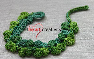 Bracciale sfumato nelle tonalità del verde all'uncinetto. #verde #bracciale #uncinetto #fiori #lotrovisuMissHobby