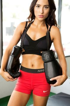 A Title Boxing Club Trainer Created This 30-Minute Calorie-Torching Workout For You