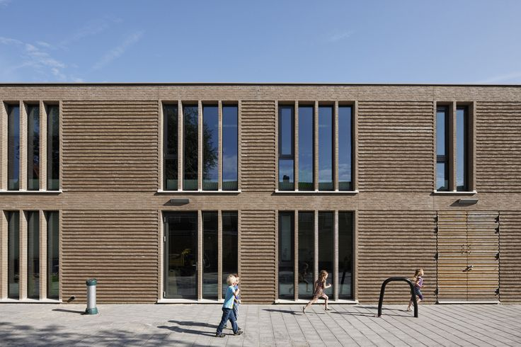Image 8 of 27 from gallery of Primary School De Vuurvogel / Grosfeld van der Velde Architecten. Photograph by René de Wit