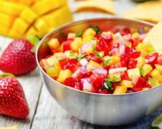 Salsa minceur de mangue à la fraise